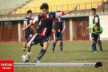 حامد اکبری به بازی با بادران نوین می رسد؟