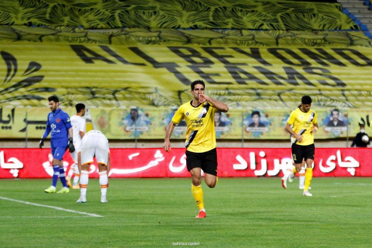 حسینی:انتظار دعوت به تیم ملی را داشتم ولی ناراحتیای ندارم