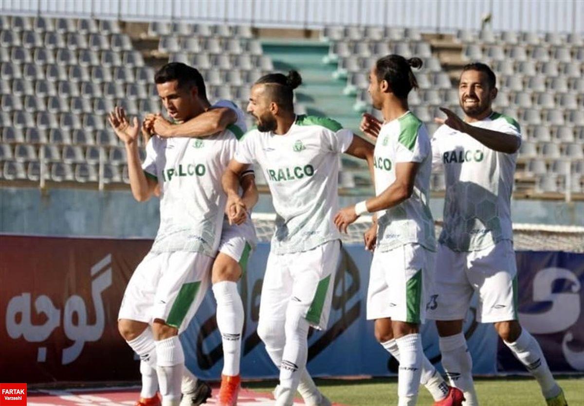 جام حذفی فوتبال| صعود آلومینیوم با حذف تراکتور ۱۰ نفره در روز اخراج منصوریان و خطیبی