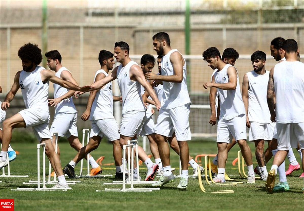 گزارش تمرین استقلال  تمرین اختصاصی یک بازیکن و غیبت ملیپوشان