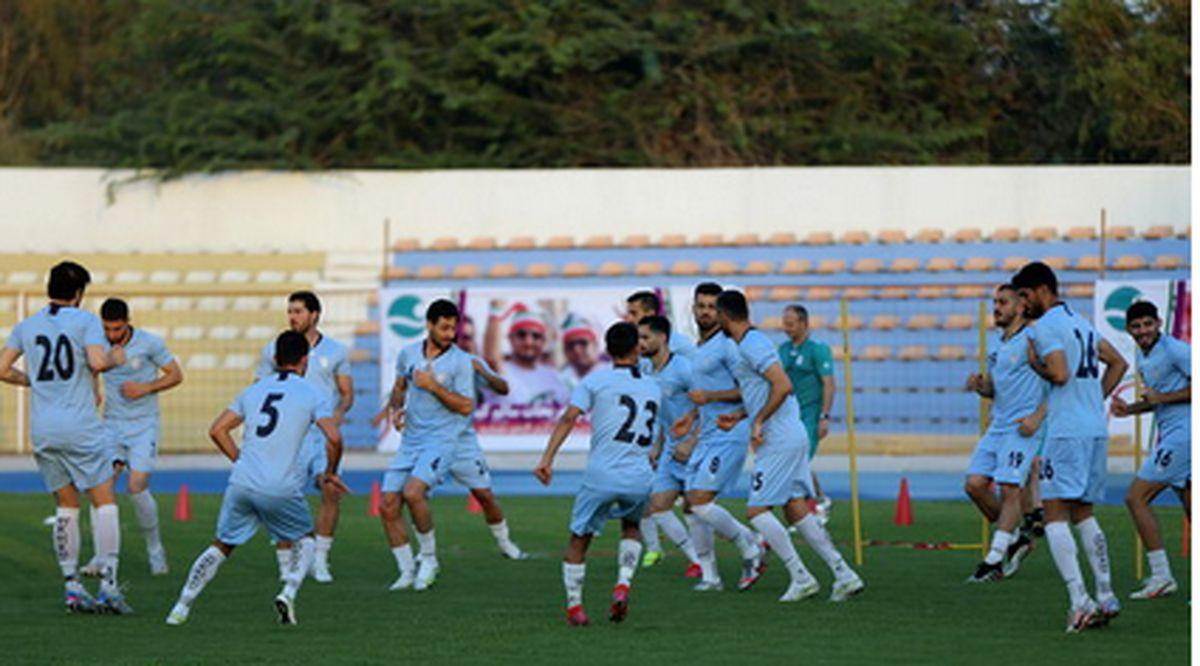 همیشه به تیمهای ملی ایران امیدوار هستم/ مهاجمان برگ برنده هستند