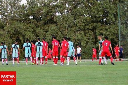 گزارش تمرین استقلال/ کریمی غایب بود / بازیکنان سه دسته شدند