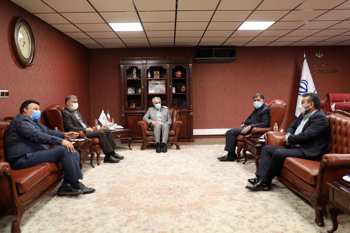 دیدار وزیر ورزش با اعضای جدید هیات مدیره استقلال