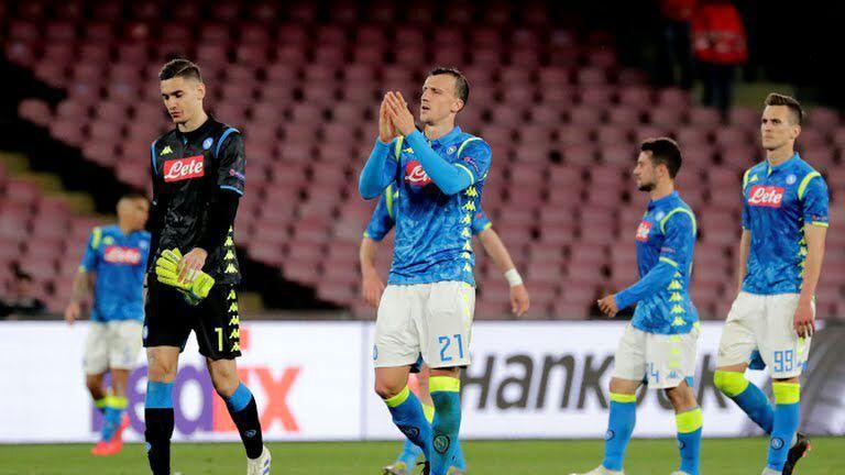 باشگاه ناپولی به طغیان بازیکنان تیم واکنش نشان داد