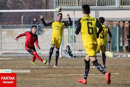 شعارهای نژادپرستی ارومیهایها علیه باشگاه مس کرمان