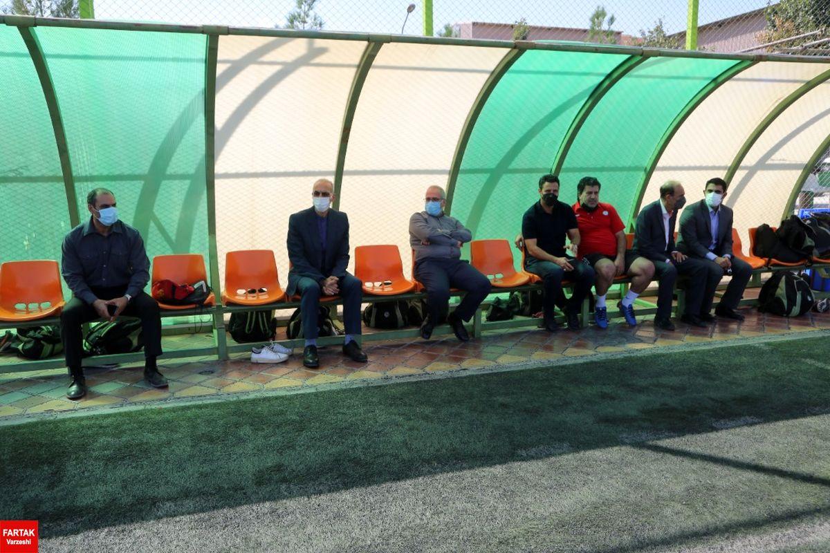 اولین روز حضور سرمربی و کادرفنی تیم ذوب آهن در اصفهان در کنارتیمهای پایه