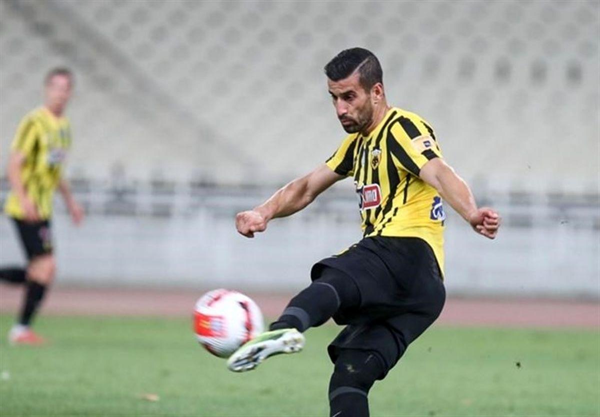 آسیبدیدگی جدی مدافع ایرانی تیم فوتبال آاِک