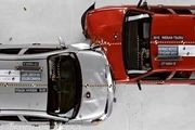 تست تصادف خودروهای ژاپنی با سرعت بالای 120 کیلومتر