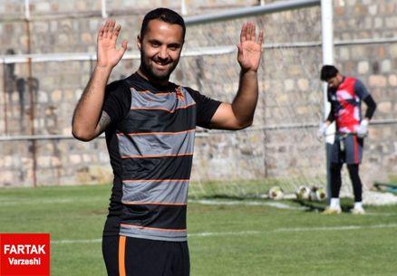 عقد قرارداد بازیکن سرباز با دو باشگاه!