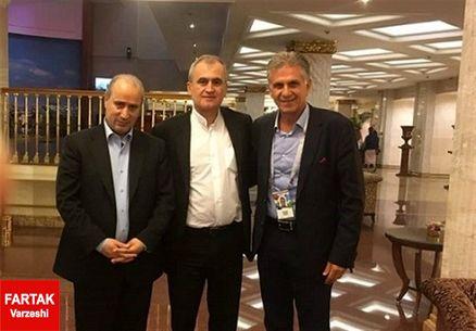 تاج برای استقبال از شیخ سلمان به فرودگاه رفت