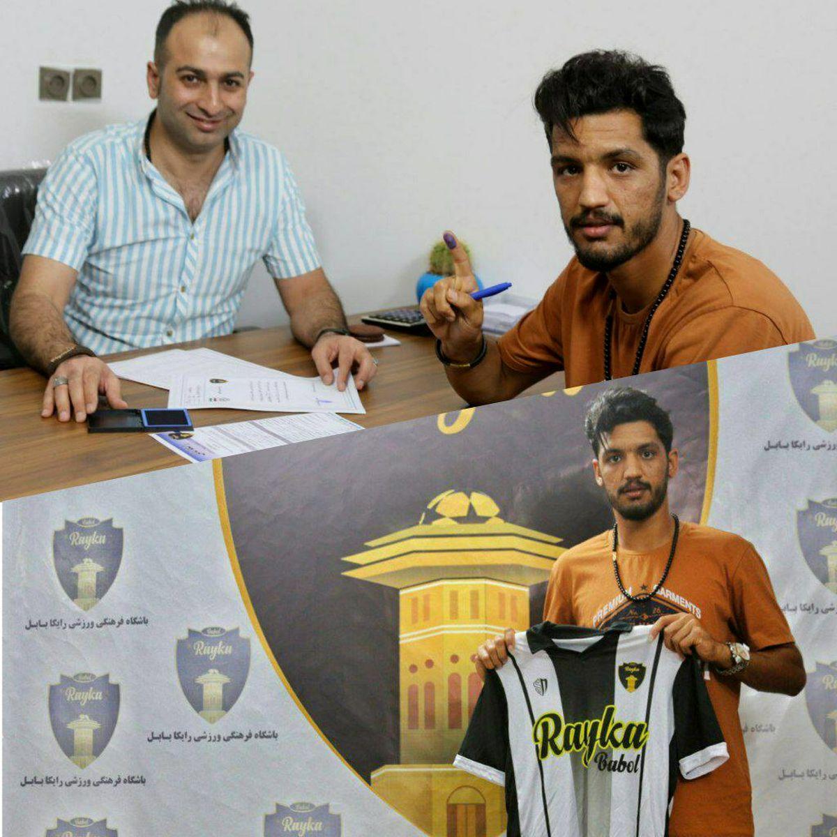 محمد جواد محمدی در یک روز با دو تیم قرارداد امضا کرد!