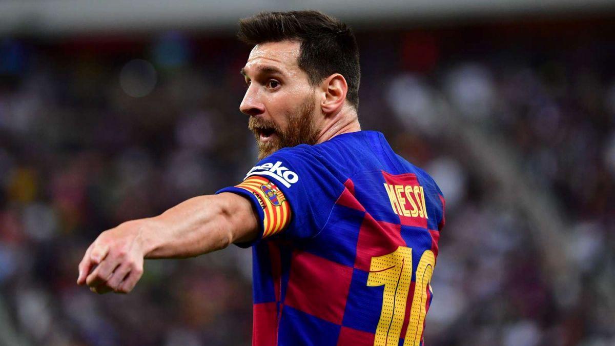 مسی سرمربی بارسلونا را معرفی کرد