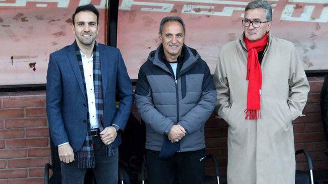 خلیلی خیال هواداران را راحت کرد؛ برانکو در پرسپولیس ماندنی است+عکس