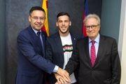 کارلس پرز تا 2022 با بارسلونا تمدید کرد